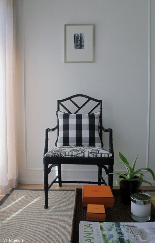 even just a touch of gingham in a decorative pillow can be the perfect accent